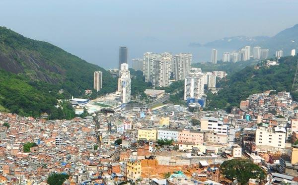 Росинья -- крупнейшая фавела Рио-де-Жанейро