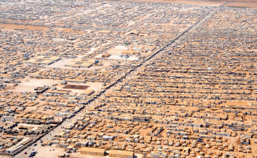 Крупный план лагеря Заатри в Иордании для сирийских беженцев. 18.07.2013. Источник: http://www.flickr.com/photos/statephotos/9312291491/sizes/o/in/photostream/