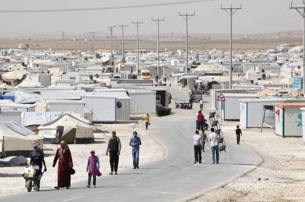 Повседневная жизнь в лагере беженцев Заатари в Иордании, расположенном в 10 км к востоку от Мафрака, Иордания, 4 июня 2014 года. Фото © Доминик Чавес / Всемирный банк